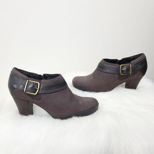 Clarks Artisan Leather Zipper Ankle Boots